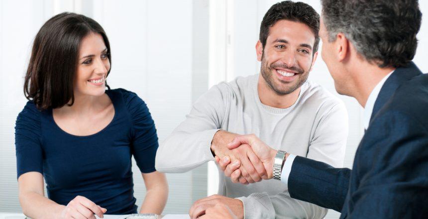 איך לבחור יועץ כלכלי למשפחה